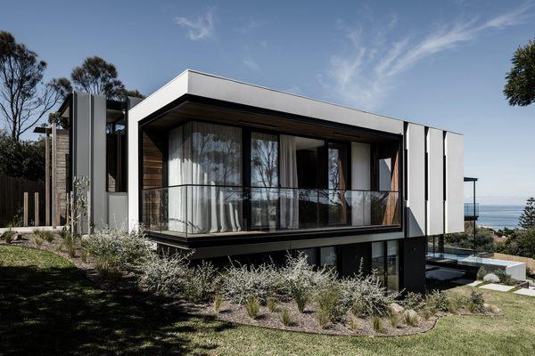 Medium two angle house 01