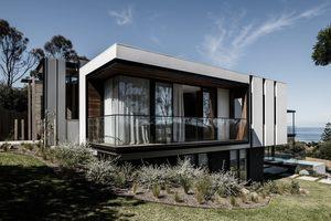 Small two angle house 01